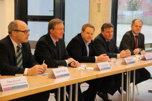 Pressekonferenz an der BS11: Senator Thies Rabe informiert über Hamburgs größte Berufsschule