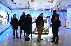im Mercedesausstellungsraum