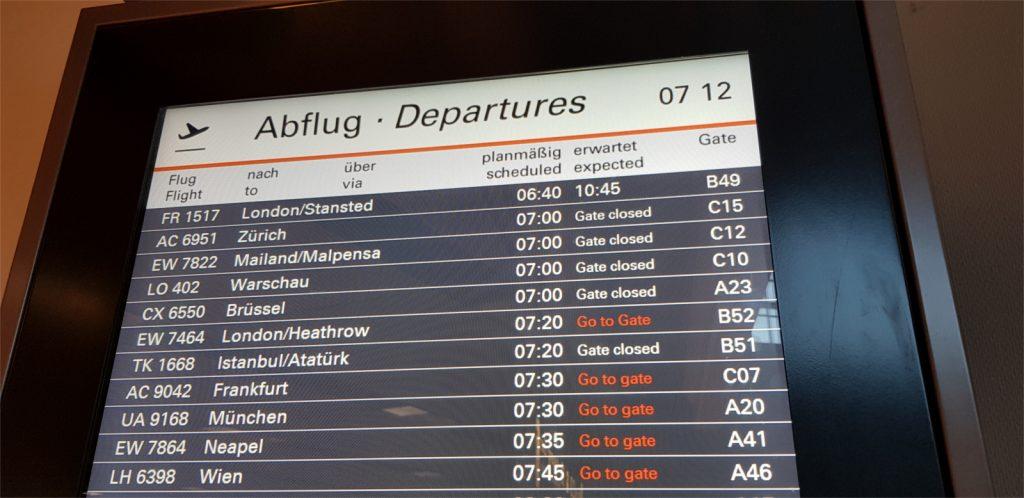 Müde Gesichter…Treffpunkt 4.30 h … Abflug 10.45h … mit Ryanair ist alles möglich!